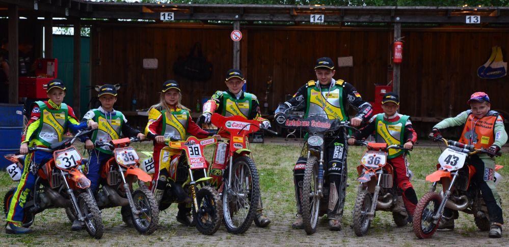 Nachwuchs 2012 in Fahrerlager der Bergringarena
